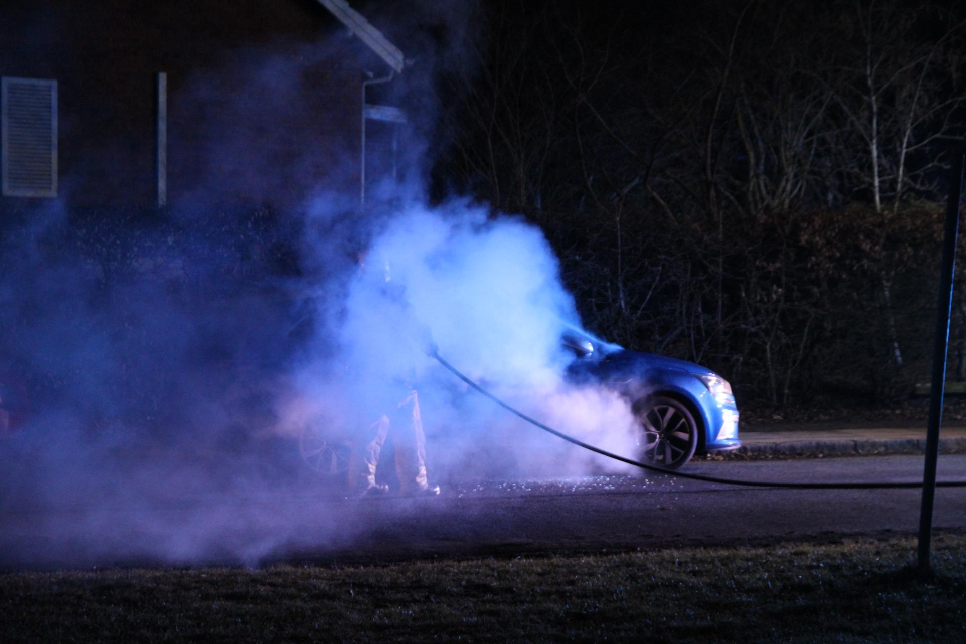 Endnu en bilbrand i København - Politiet tilstede med hunde