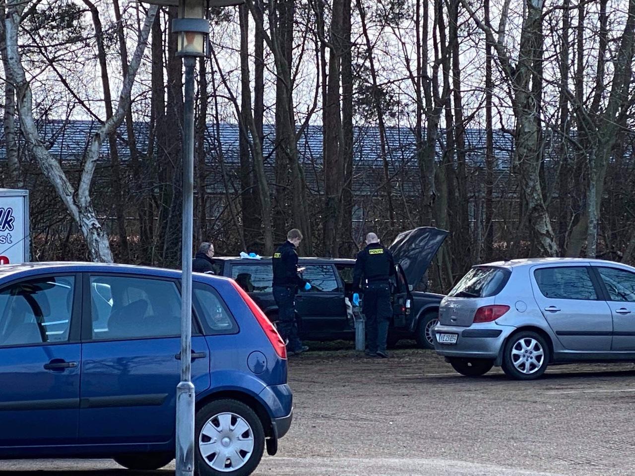 Politiaktion - beslaglæggelse af bil i Køge