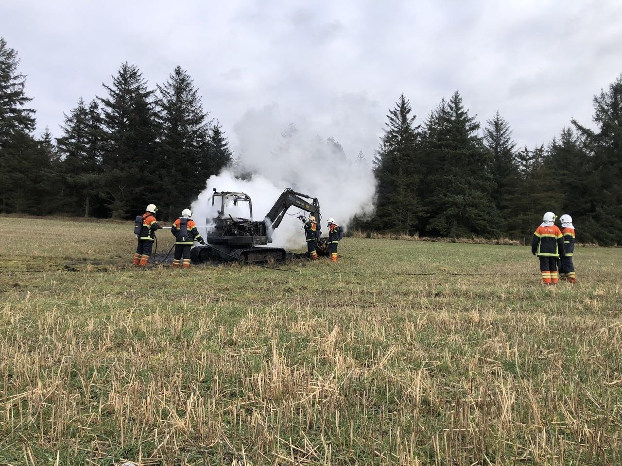 Brand i gravemaskine i Outrup