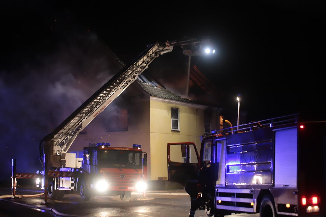 Voldsom brand i Østervrå