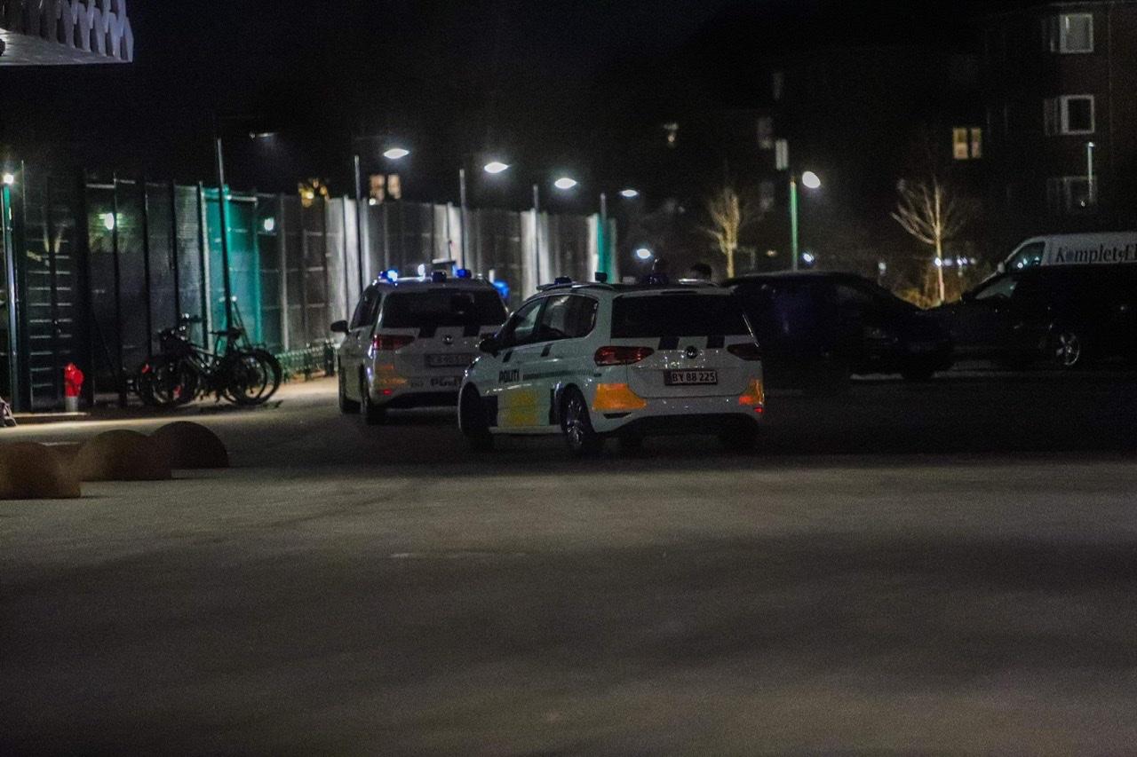 Politiet undersøger gruppe af personer ved KB Hallen