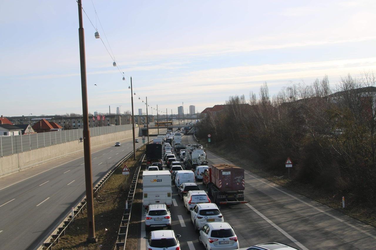 Holbækmotorvejen spærret af uheld ved Folehaven