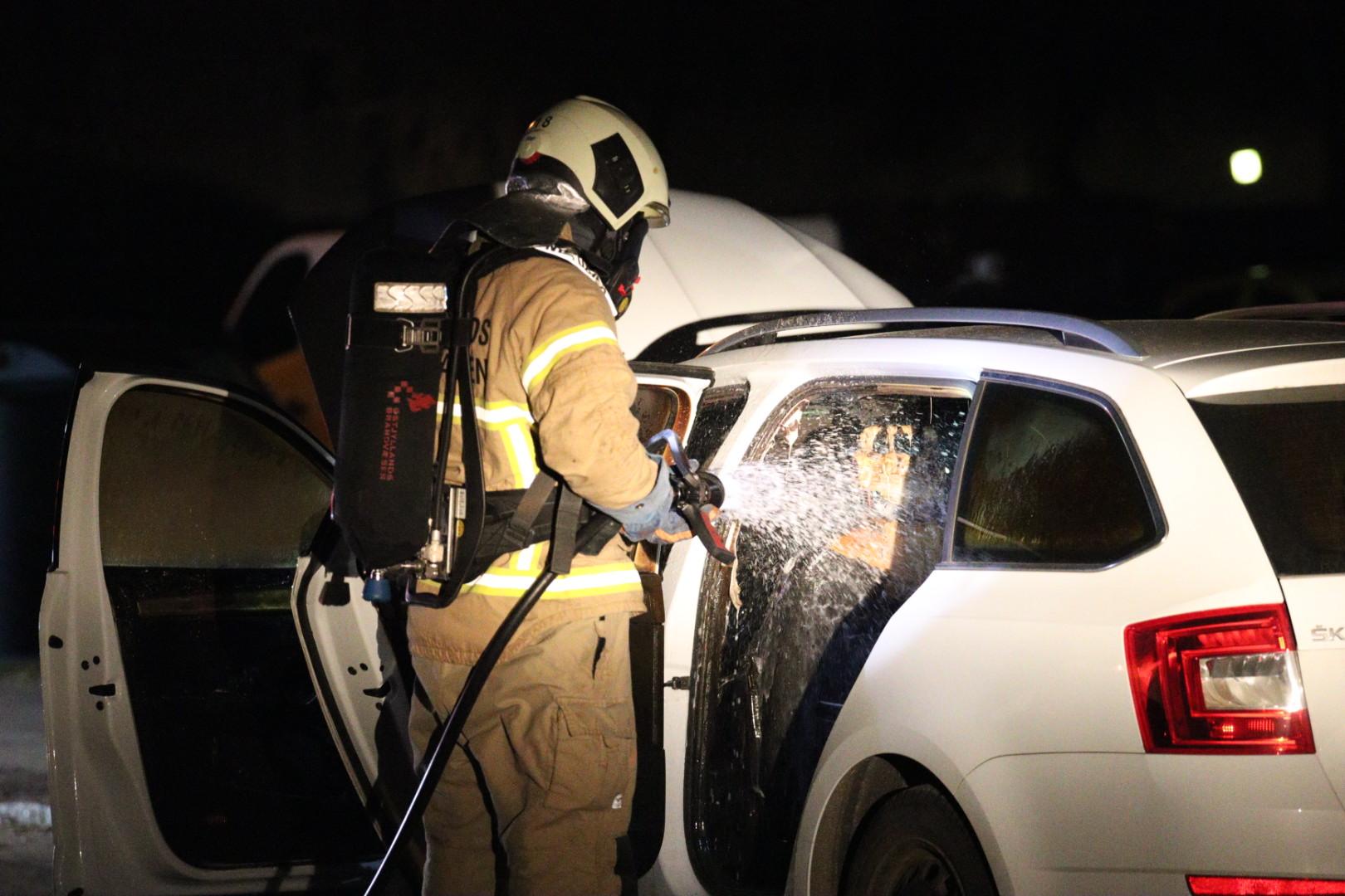 Bil i brand - Politiet mistænkte branden var påsat