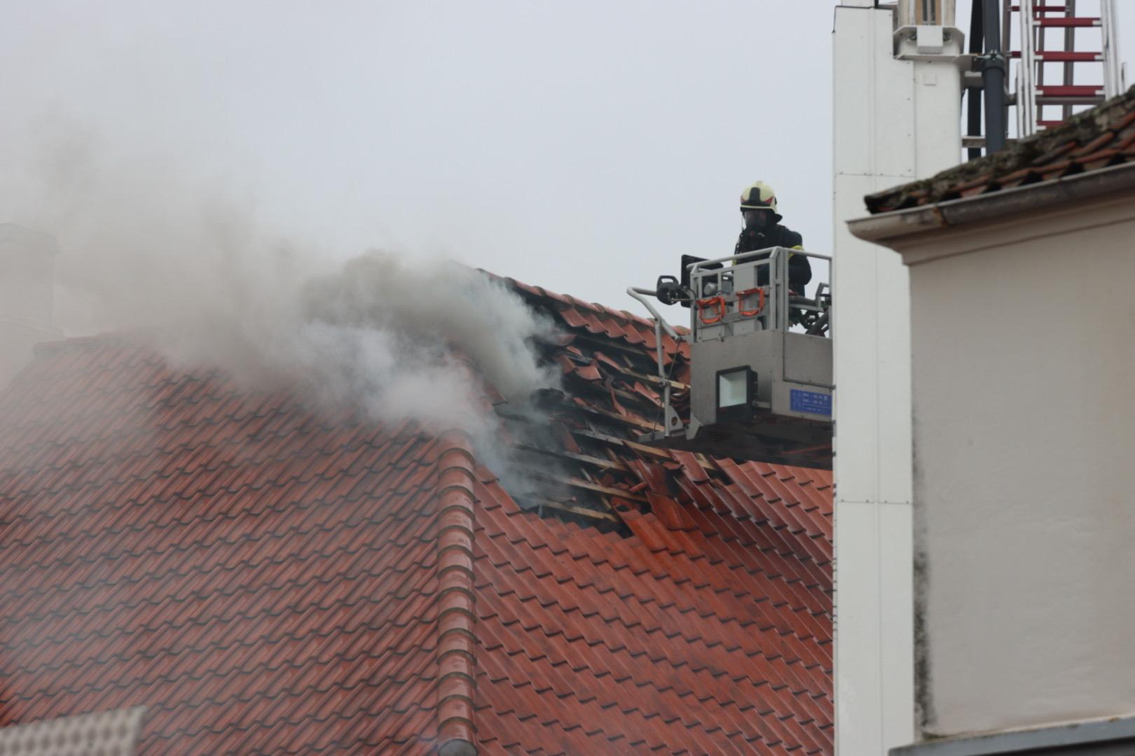 Voldsom brand i restaurant