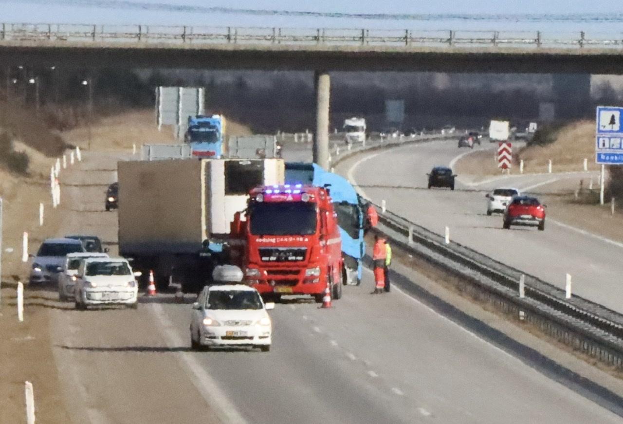 Lastbilulykke på Herningmotorvejen