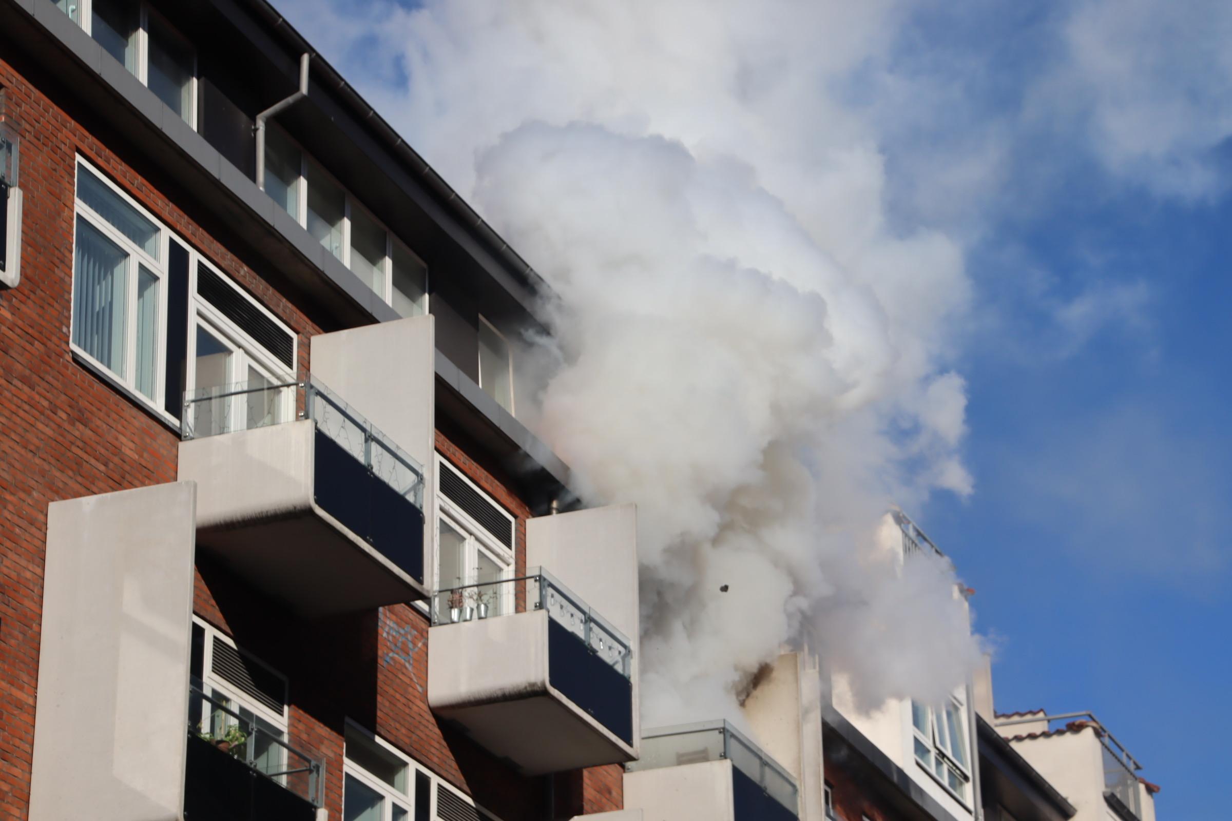 Voldsom lejlighedsbrand i Aarhus Centrum