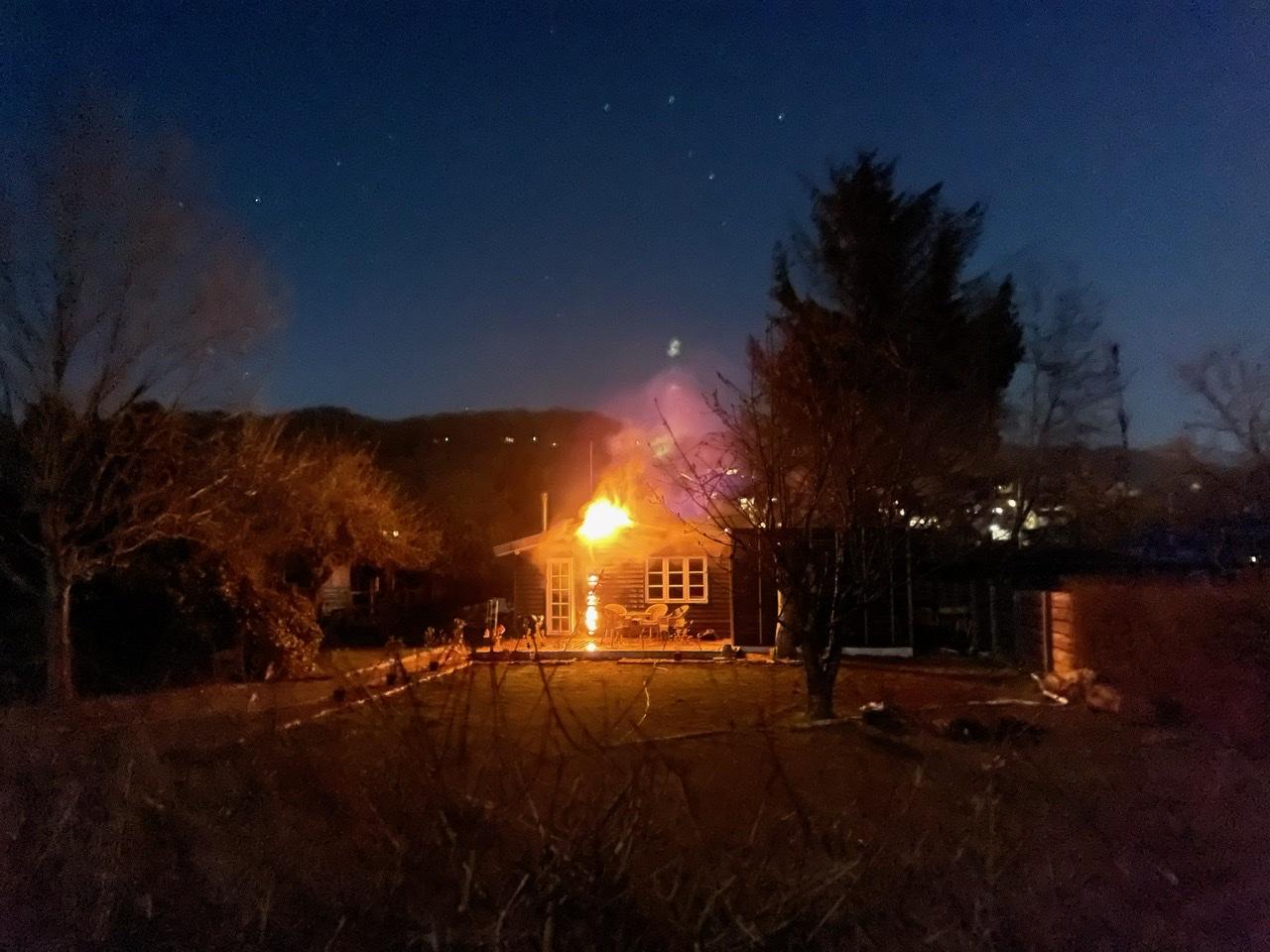 Ild i kolonihavehus i Vejle natten til lørdag