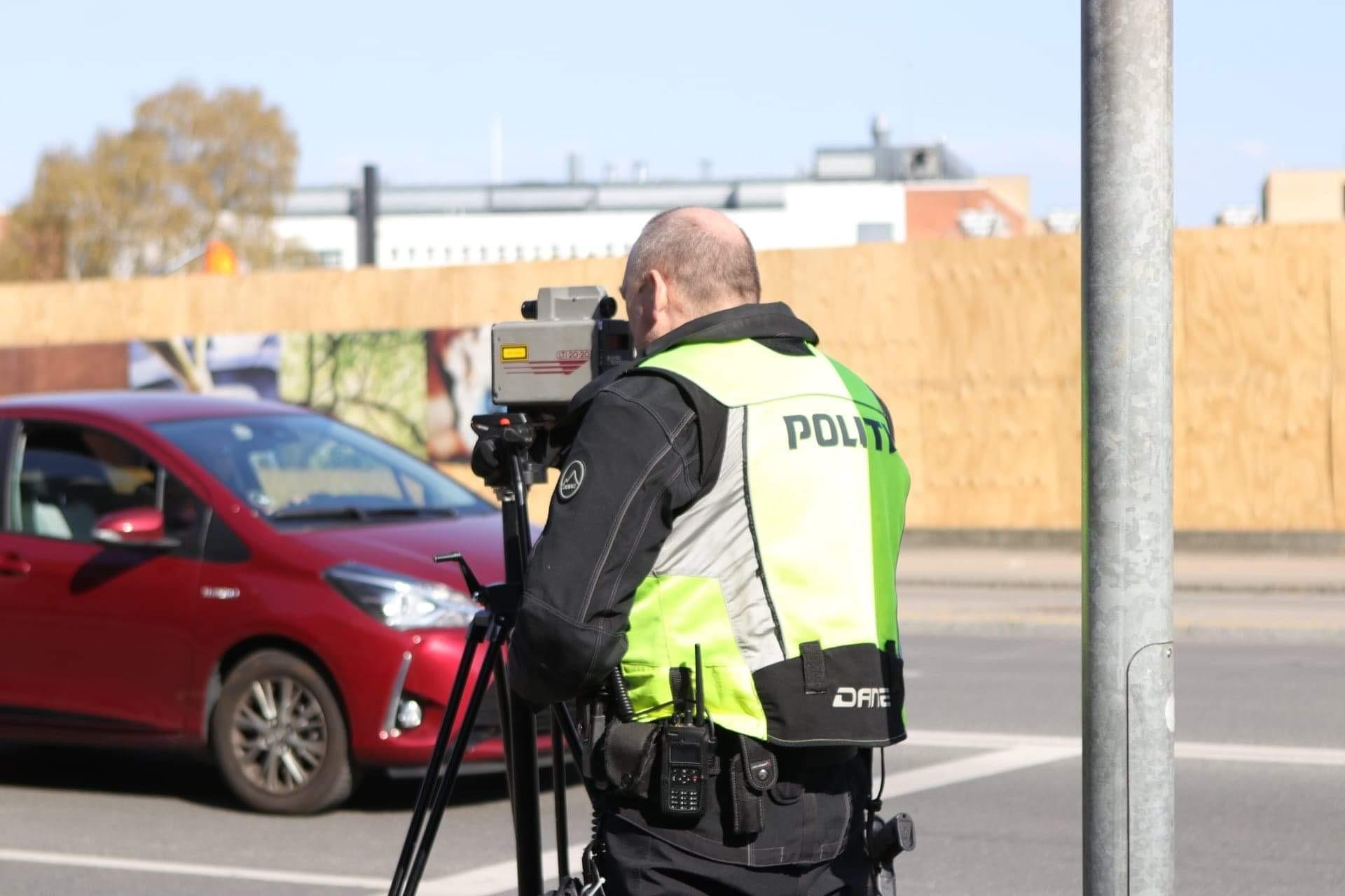 Fartkontrol i Valby - flere bilister stoppet