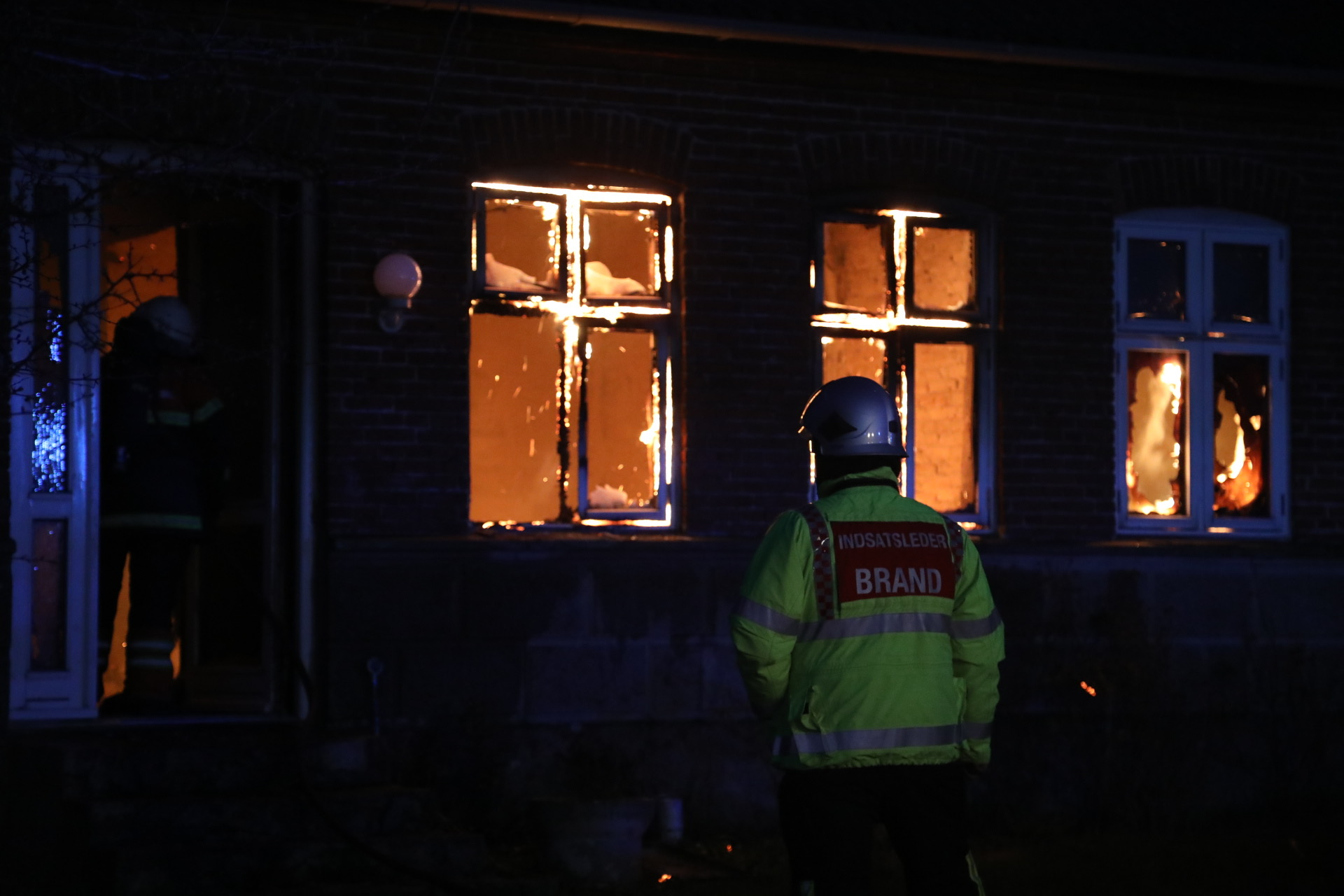 Voldsom villabrand i Tressebølle på Langeland
