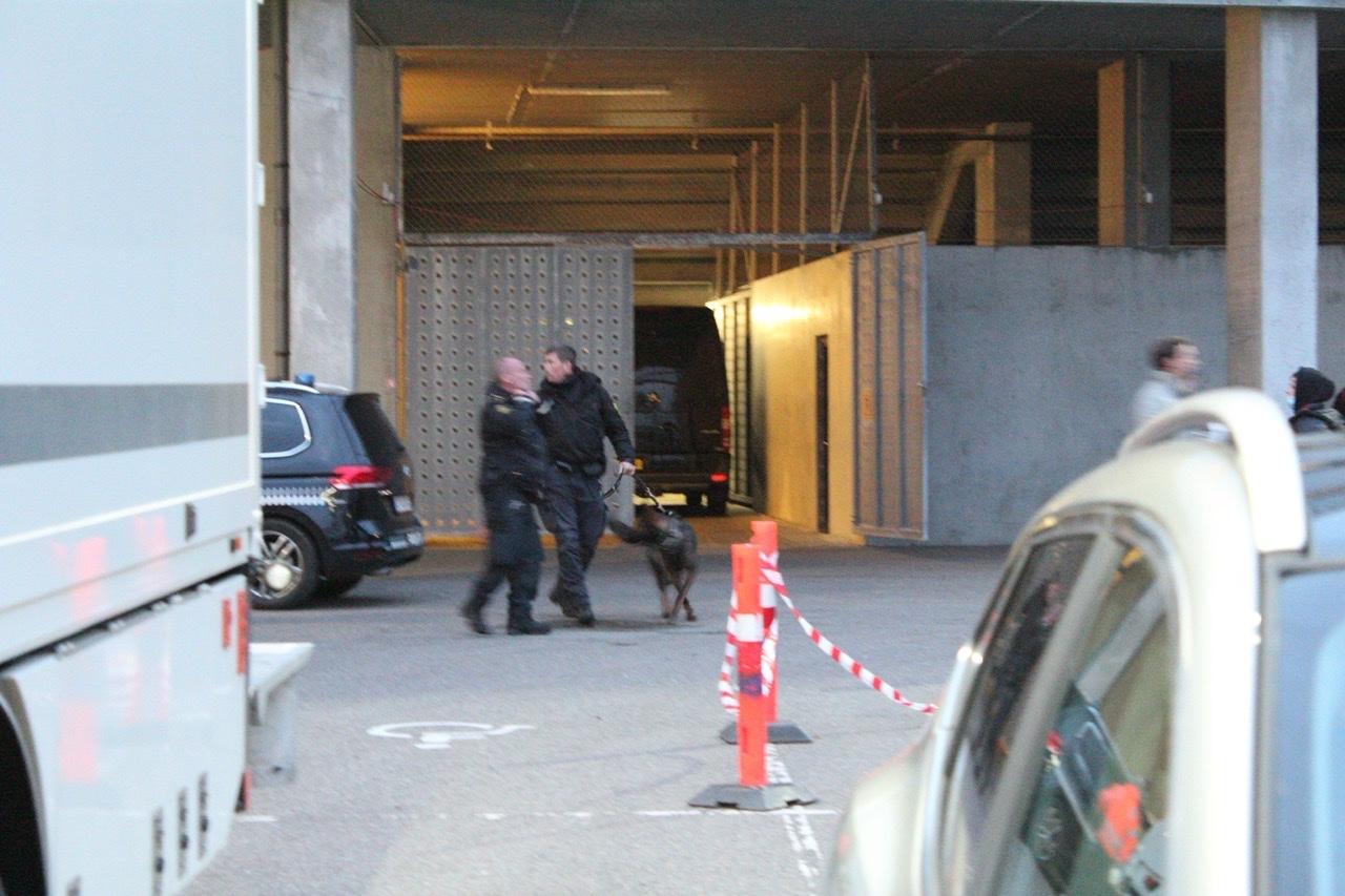 Tumult ved fodboldkamp i Esbjerg - politi med hunde