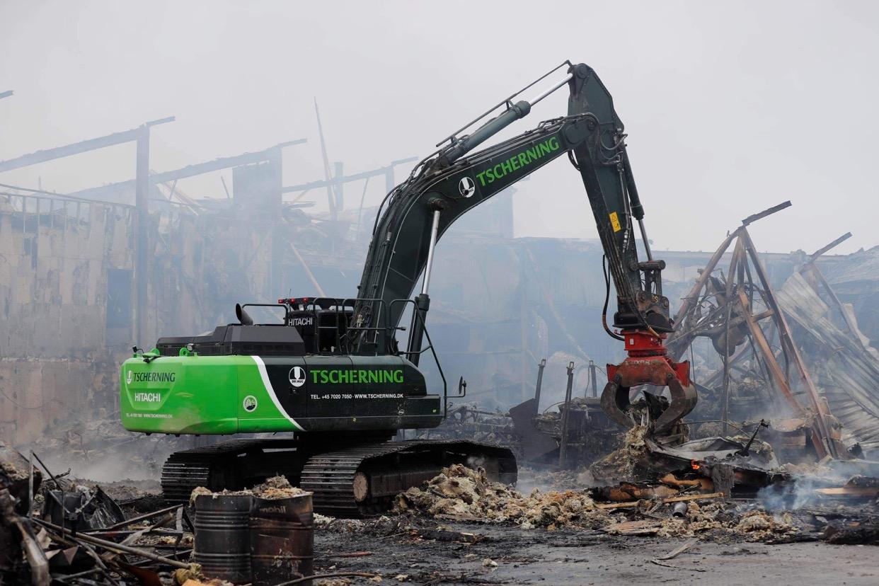 Efterslukning af brand i Albertslund