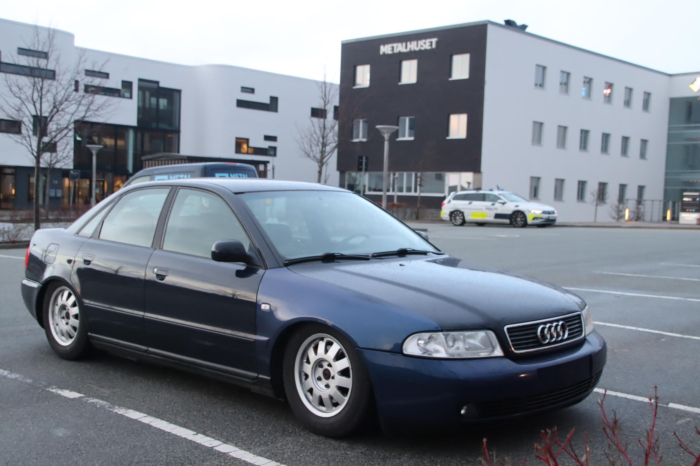 Cars and coffee - biltræf i Aarhus - med besøg af politiet