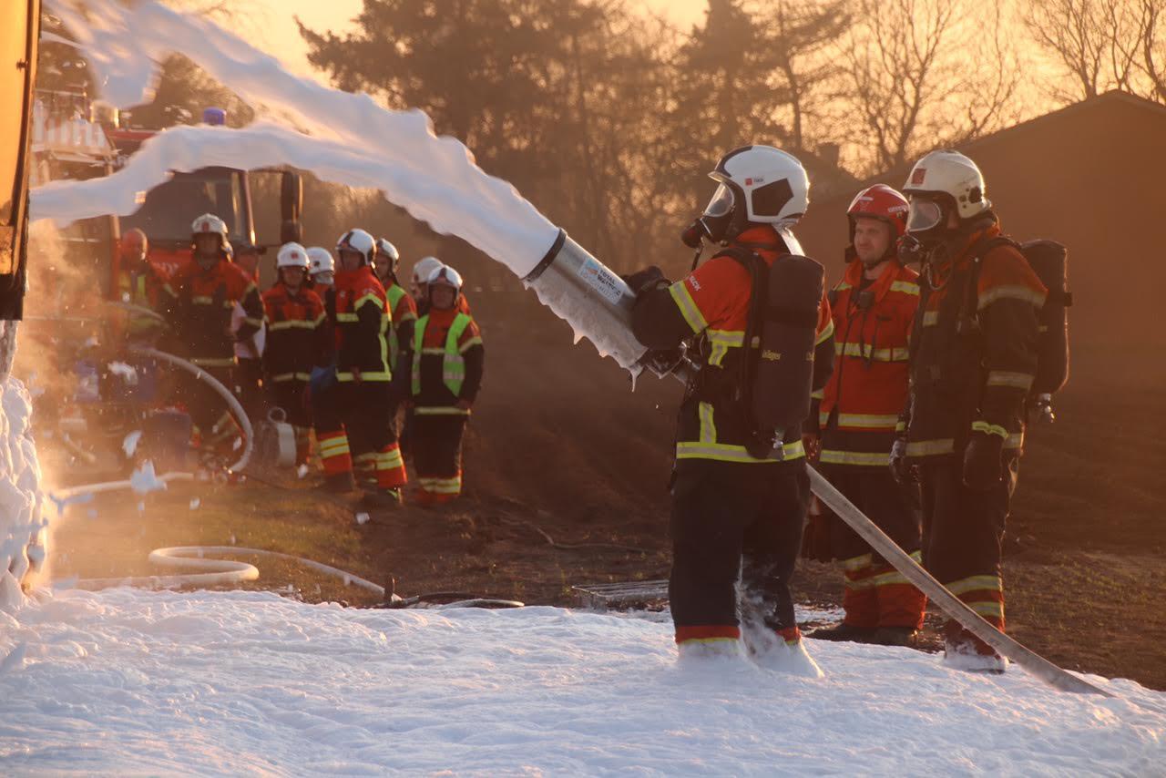 Brand i traktor i Aulum