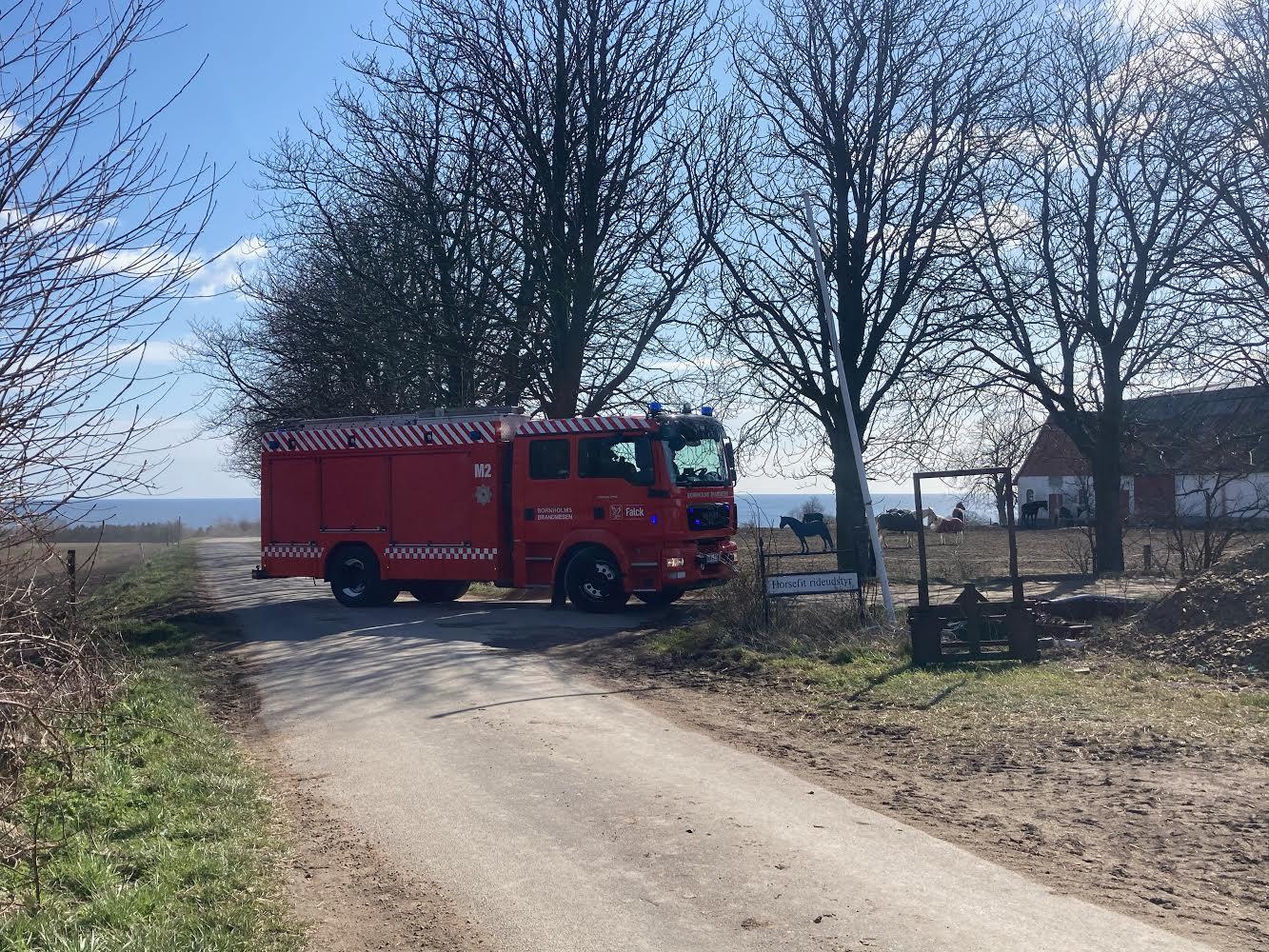 Brand på gård med dyrehold i Svaneke