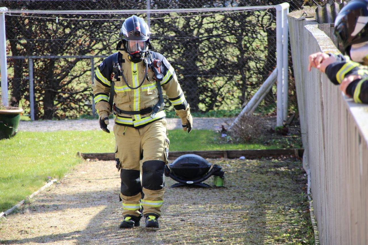 Ild i gasgrill gav røg i lejlighed i Roskilde