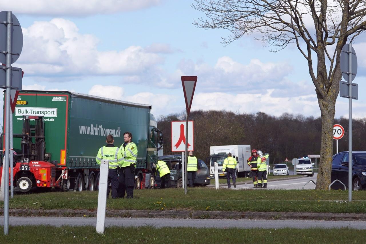 Voldsom ulykke ved Vojens - 2 ambulancer til stede