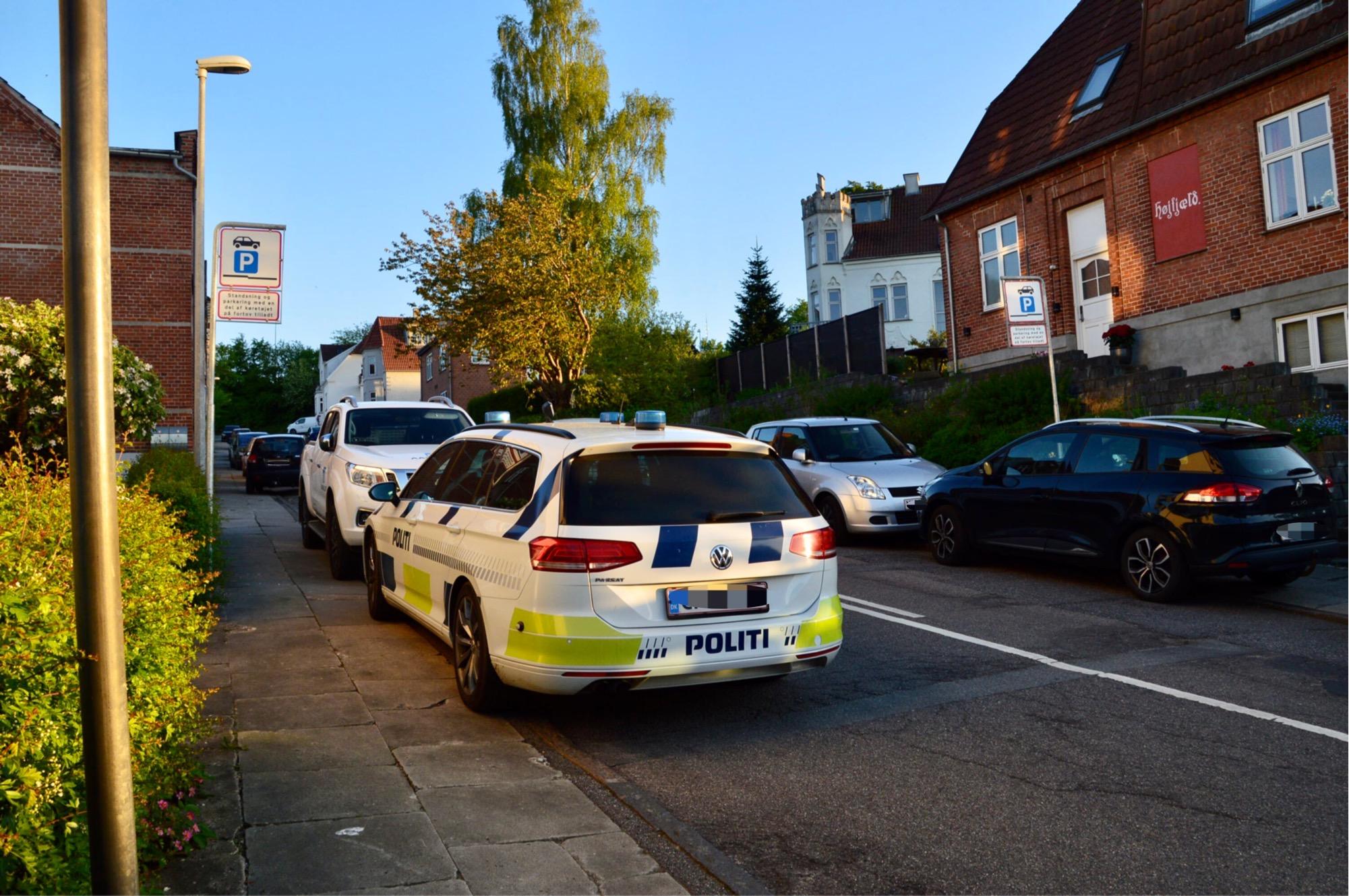 Politi og teknikere har afspærret område i Vejle