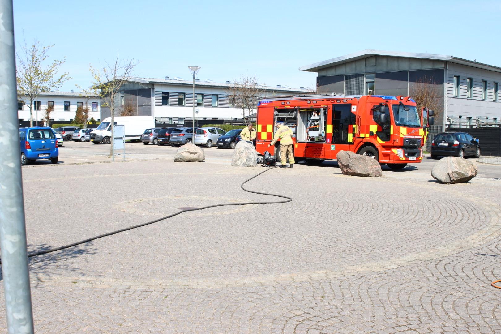 Brand i skur i København - startet af ukrudtsbrænder