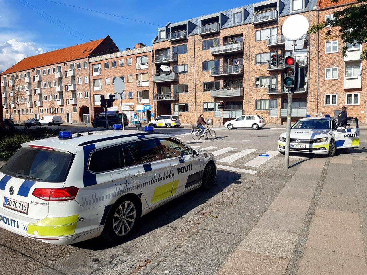 Ældre mand truet med kniv - politiet jagter gerningsmand