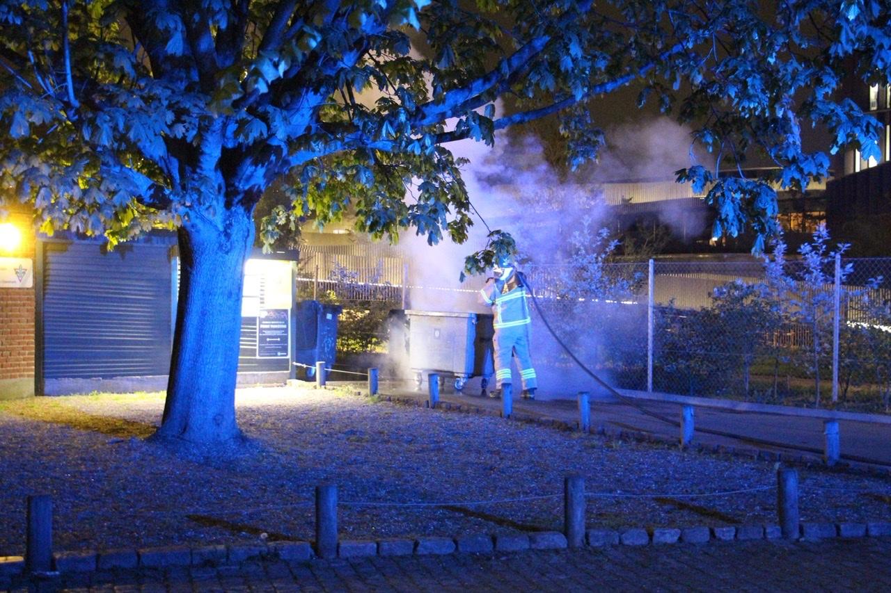 Ild i container i København