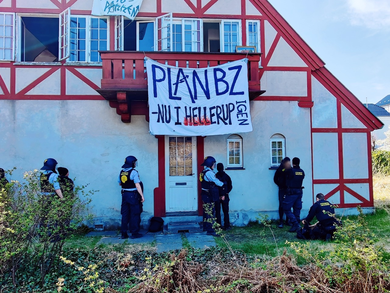 Flere anholdte da politiet slog til mod besat hus i Hellerup