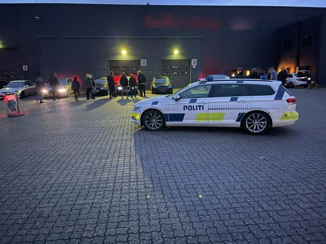 Politi tjekker køretøjer ved mindre biltræf