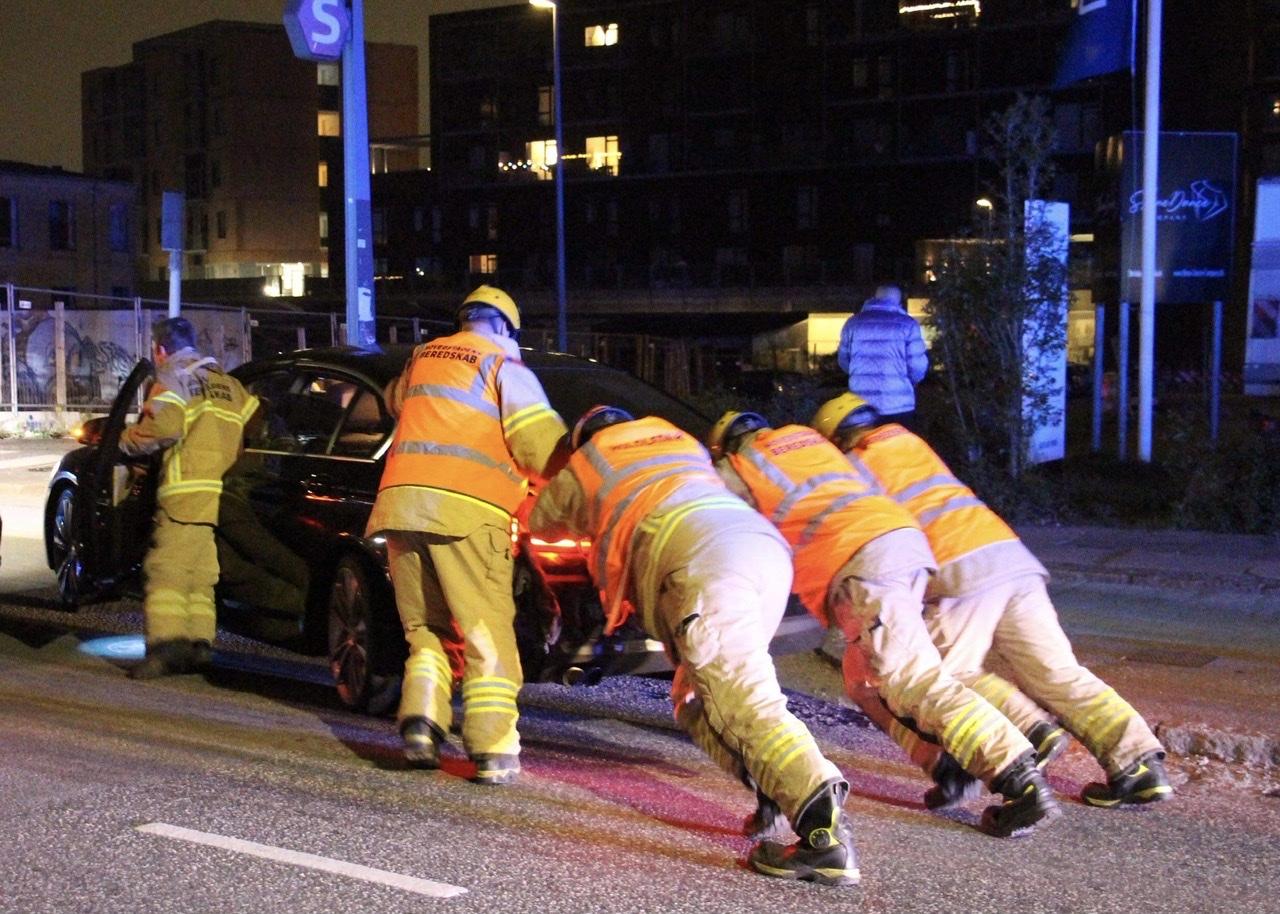 Uheld mellem to biler i Valby