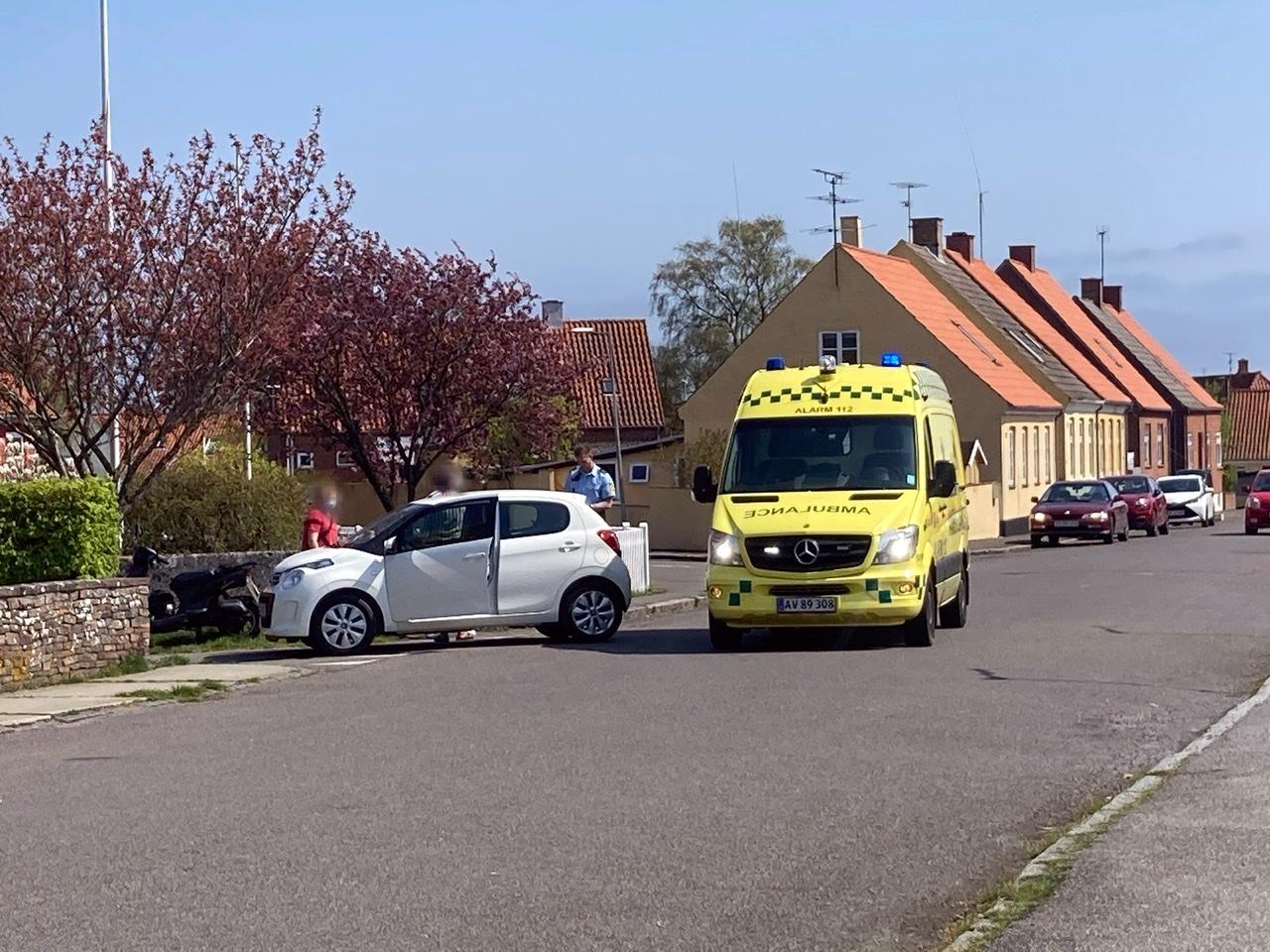 Knallert og bil i ulykke ved Nexø på Bornholm