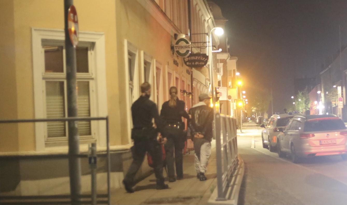 Flere personer anholdt i Vejle