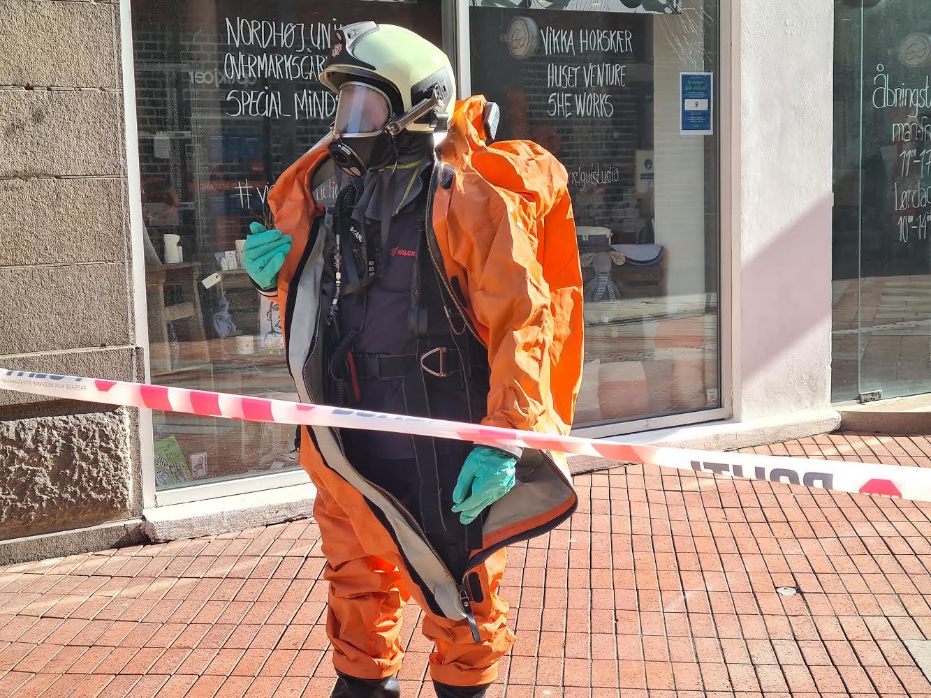 Politi og brandvæsen til stede ved Jyske bank i Kolding