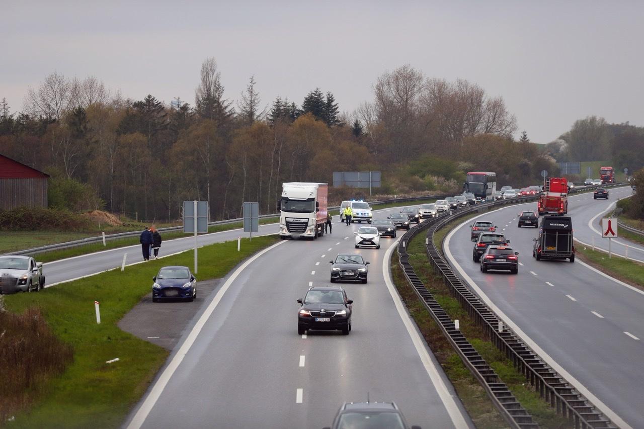 Lastbilulykke på Vestmotorvejen spærret for trafik