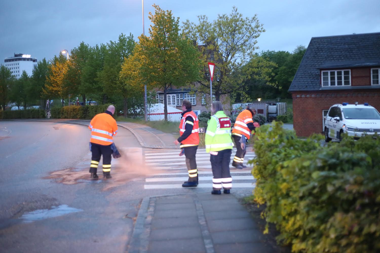Mindre forurening efter biluheld i Vejle.