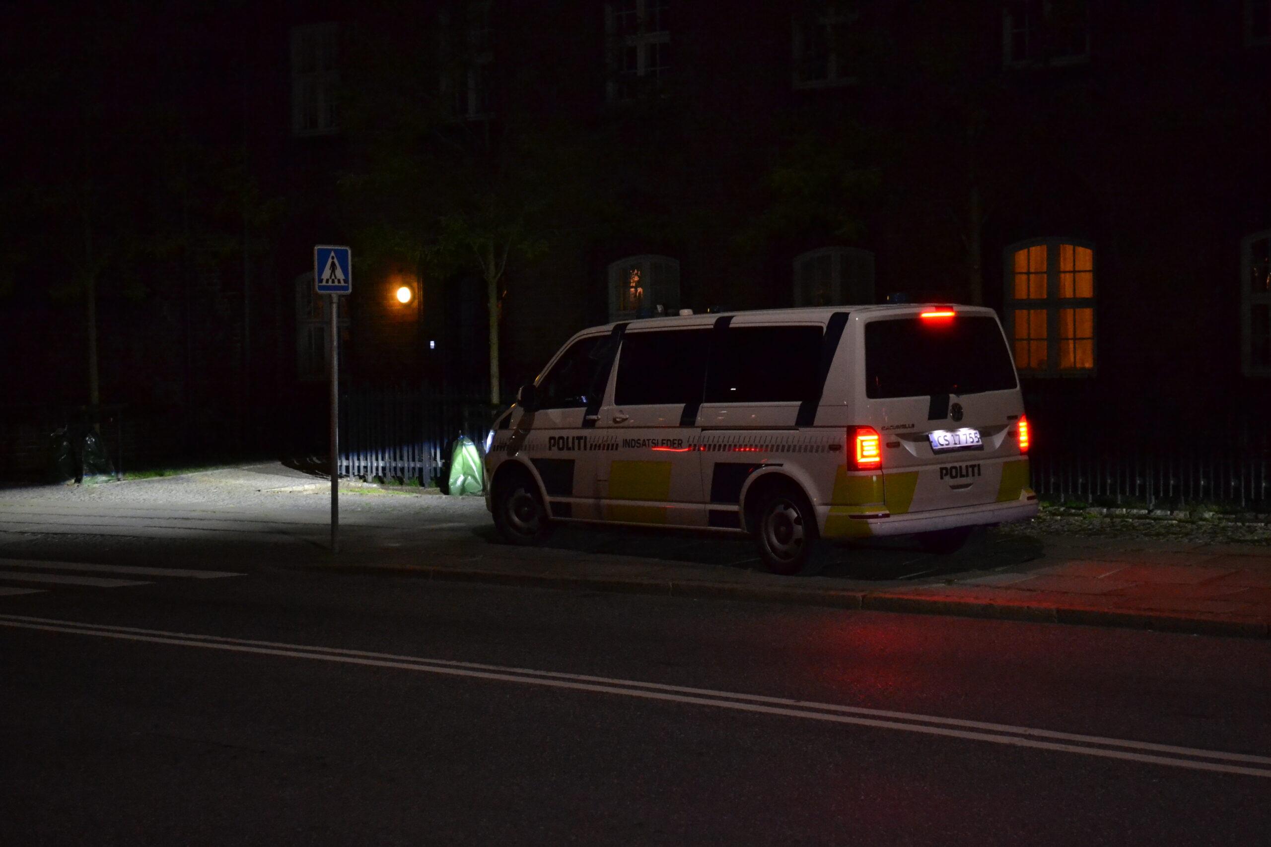 Politiet talstærkt tilstede - Nattelivet ulmer