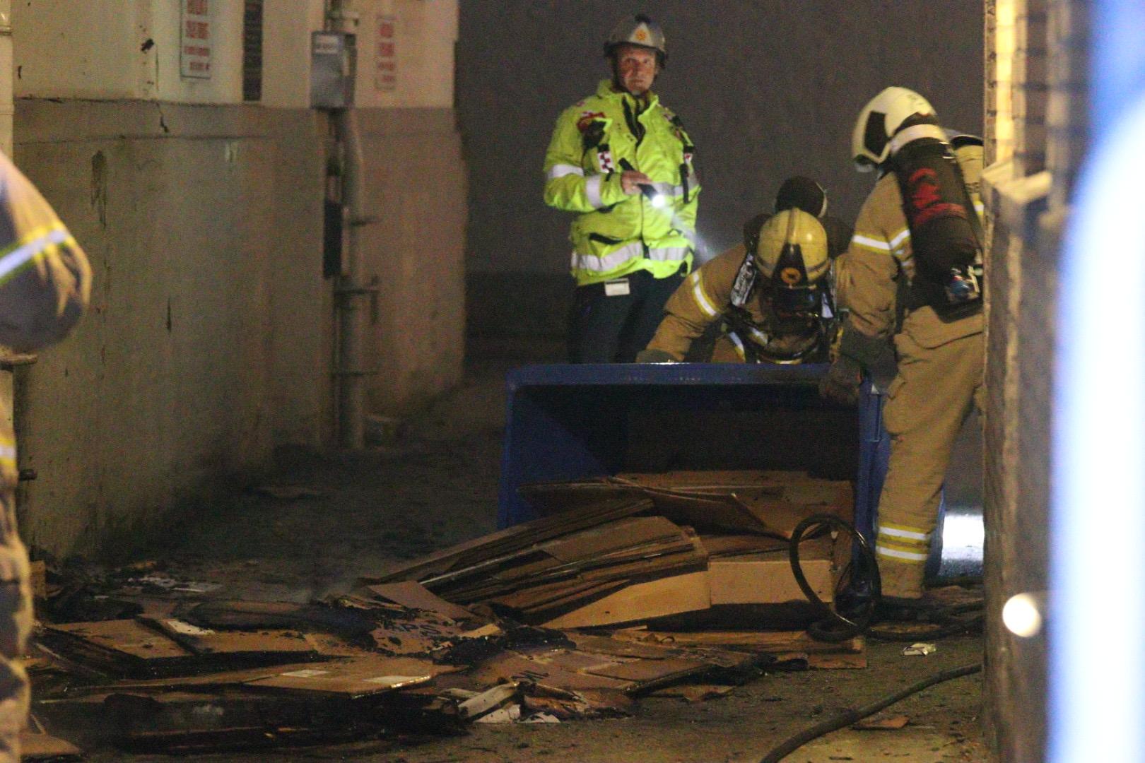 Brandvæsnet er kaldt ud til en container brand - Aarhus