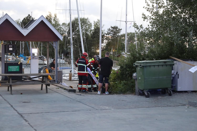 Person reddet op af vandet - Vallensbæk
