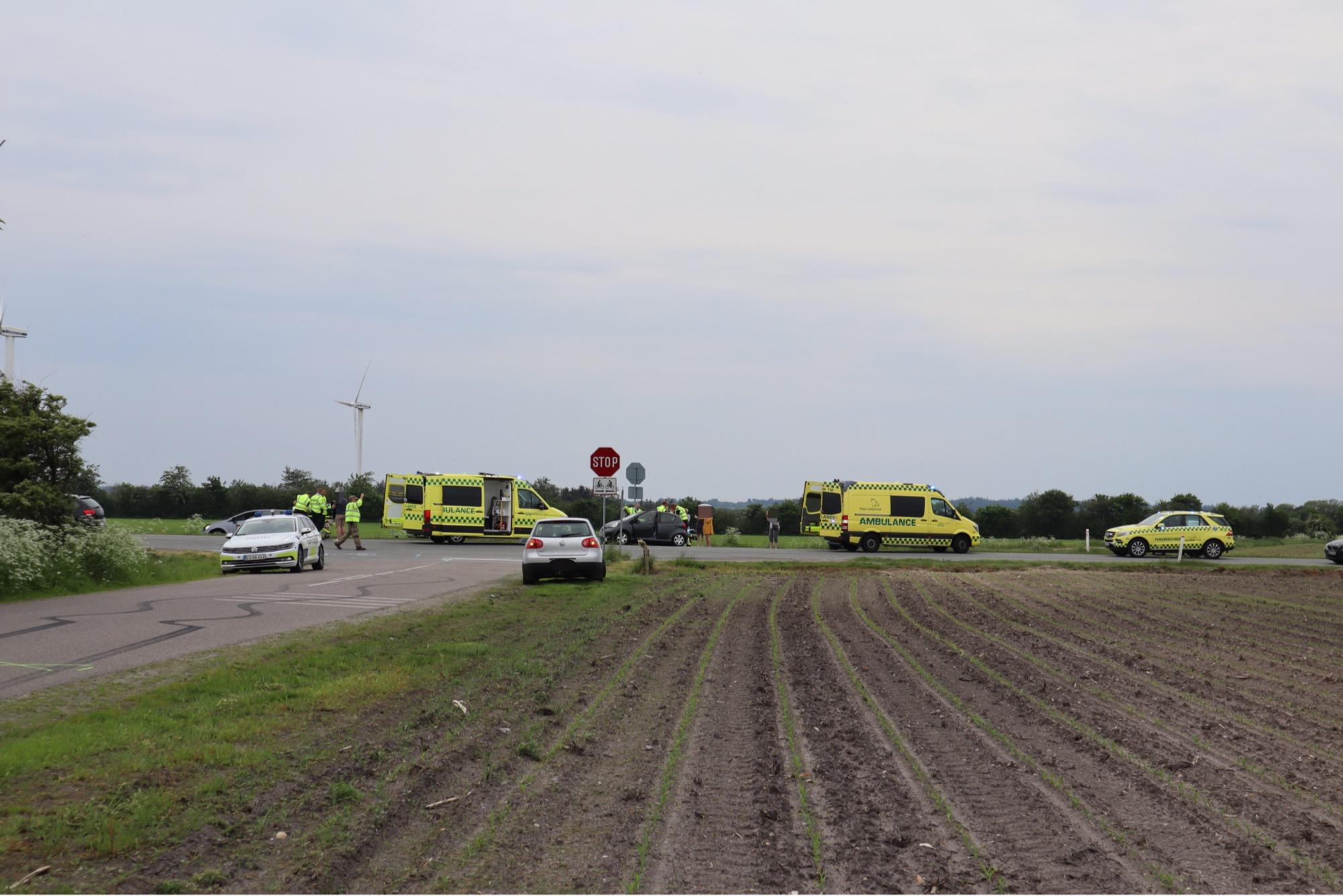 Uheld ved Nørre Nebel - flere ambulancer på plads