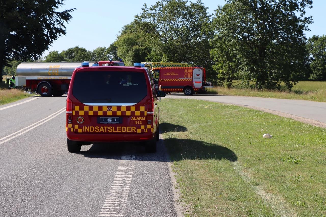 Alvorlig ulykke ved Karup - vejen helt spærret