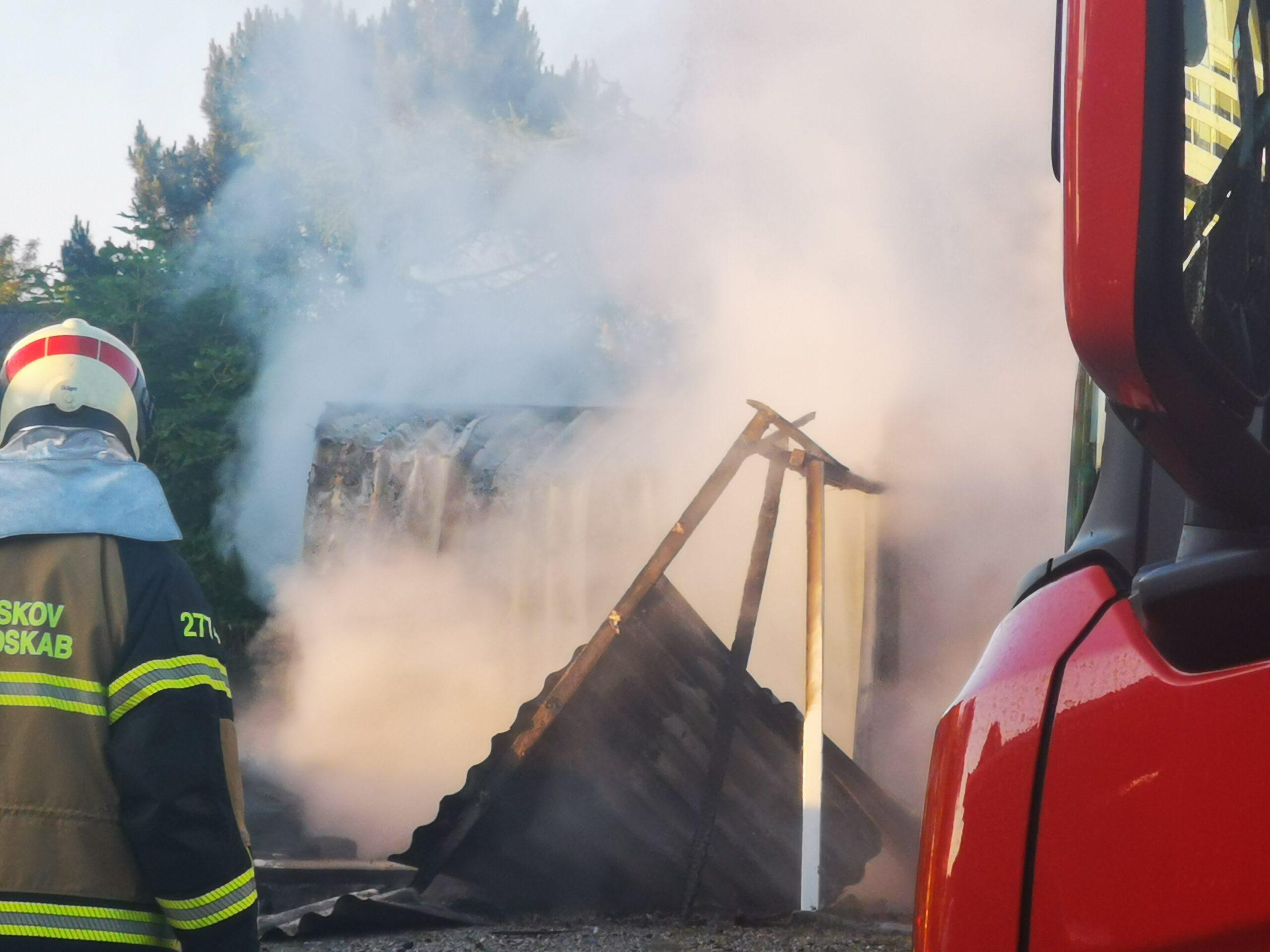 Brand i garage - Garage totalt udbrændt