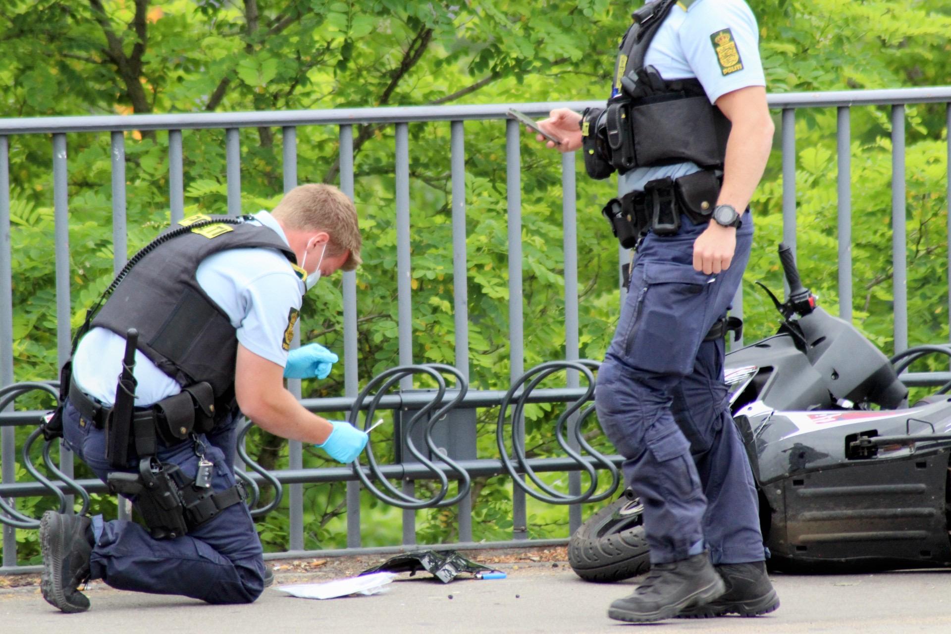 Politijagt endte med spring fra bro