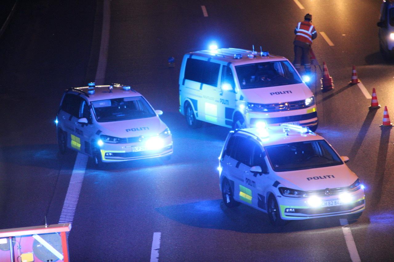 Redningsaktion igang i Brøndby - person får hjælp på skrænt