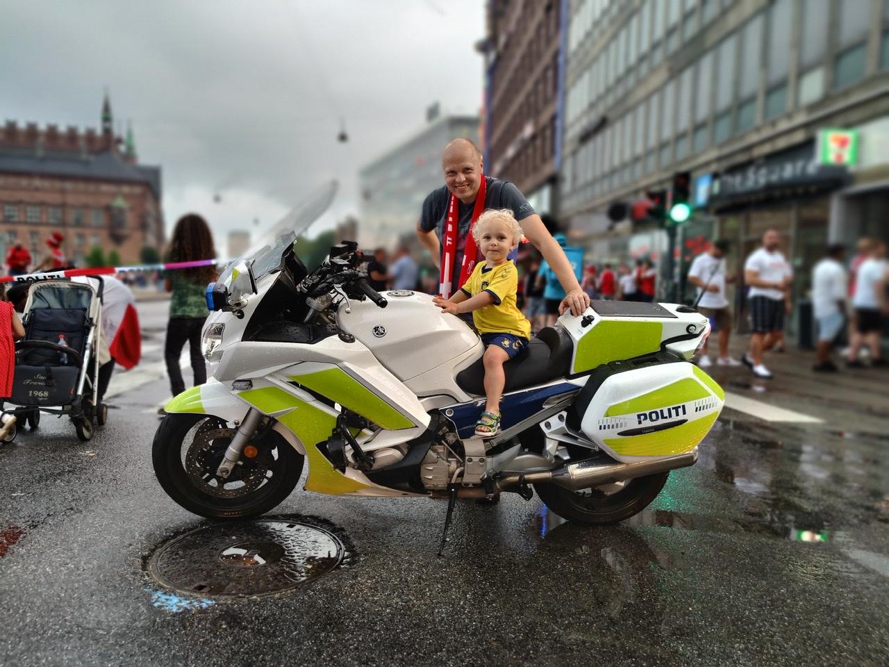 Kæmpe fodboldfest i København - billeder fra hele byen