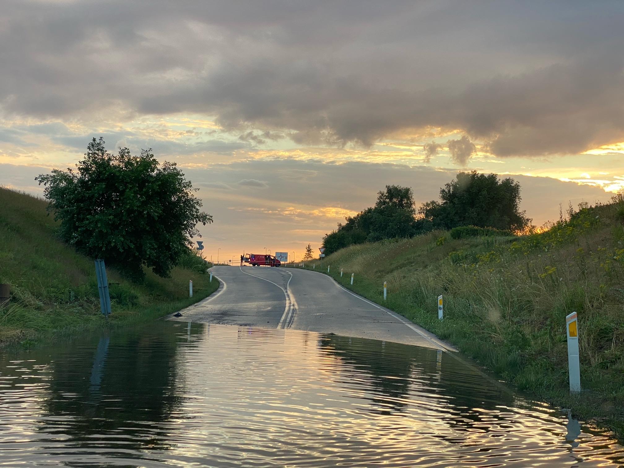 Oversvømmelse i Vig - Kloakkerne kan ikke følge med vejret