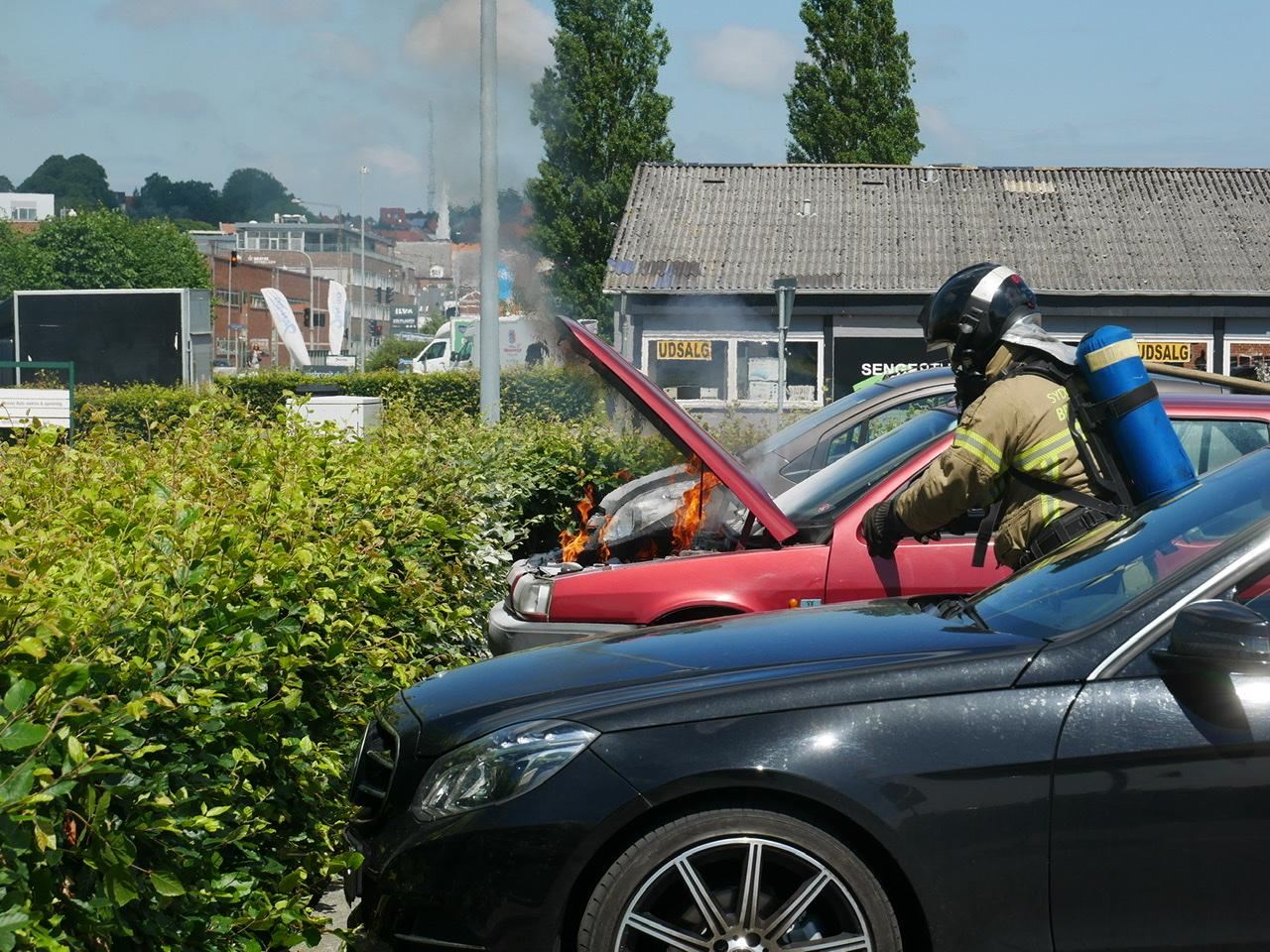 Bil i brand i Horsens