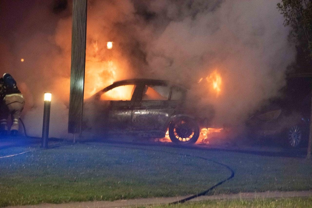 Bilbrand i Sønderborg natten til mandag