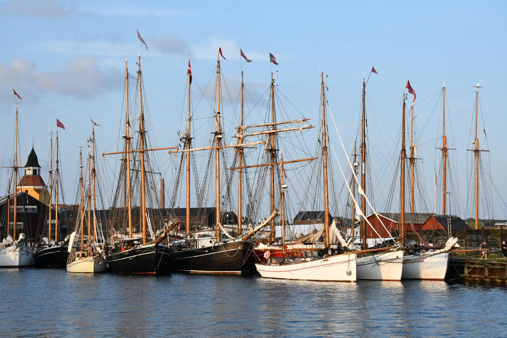 45 smukke træskibe fra Svendborg til Middelfart rundt om Fyn