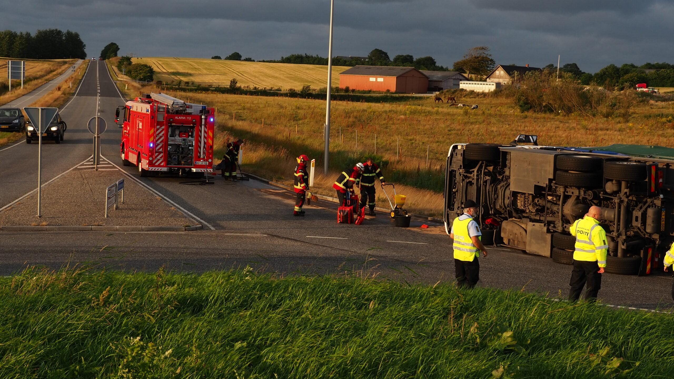 Ulykke i Holstebro - væltet lastbil