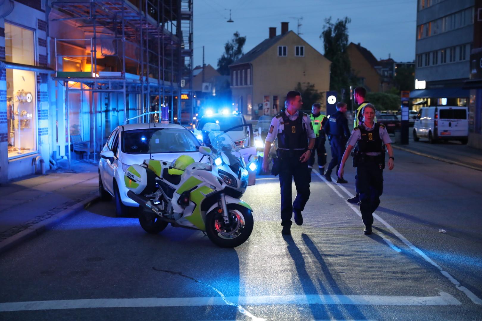 Massivt politi til stede - politiaktion i Valby