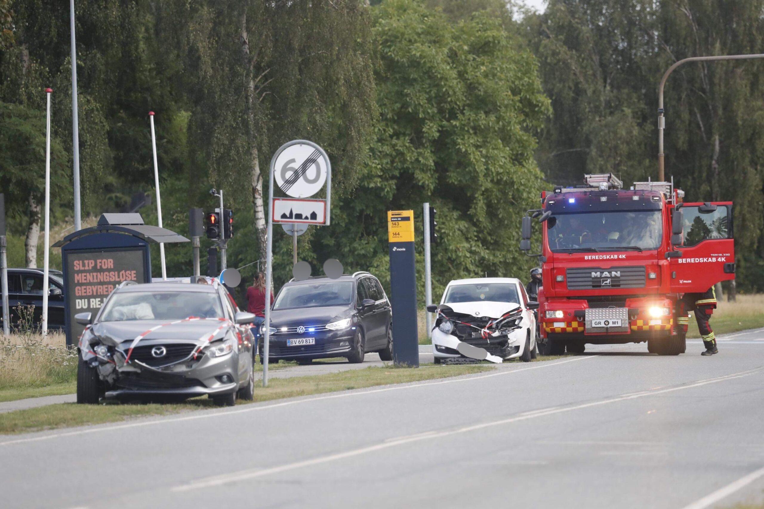 To biler kørt sammen i Vallensbæk