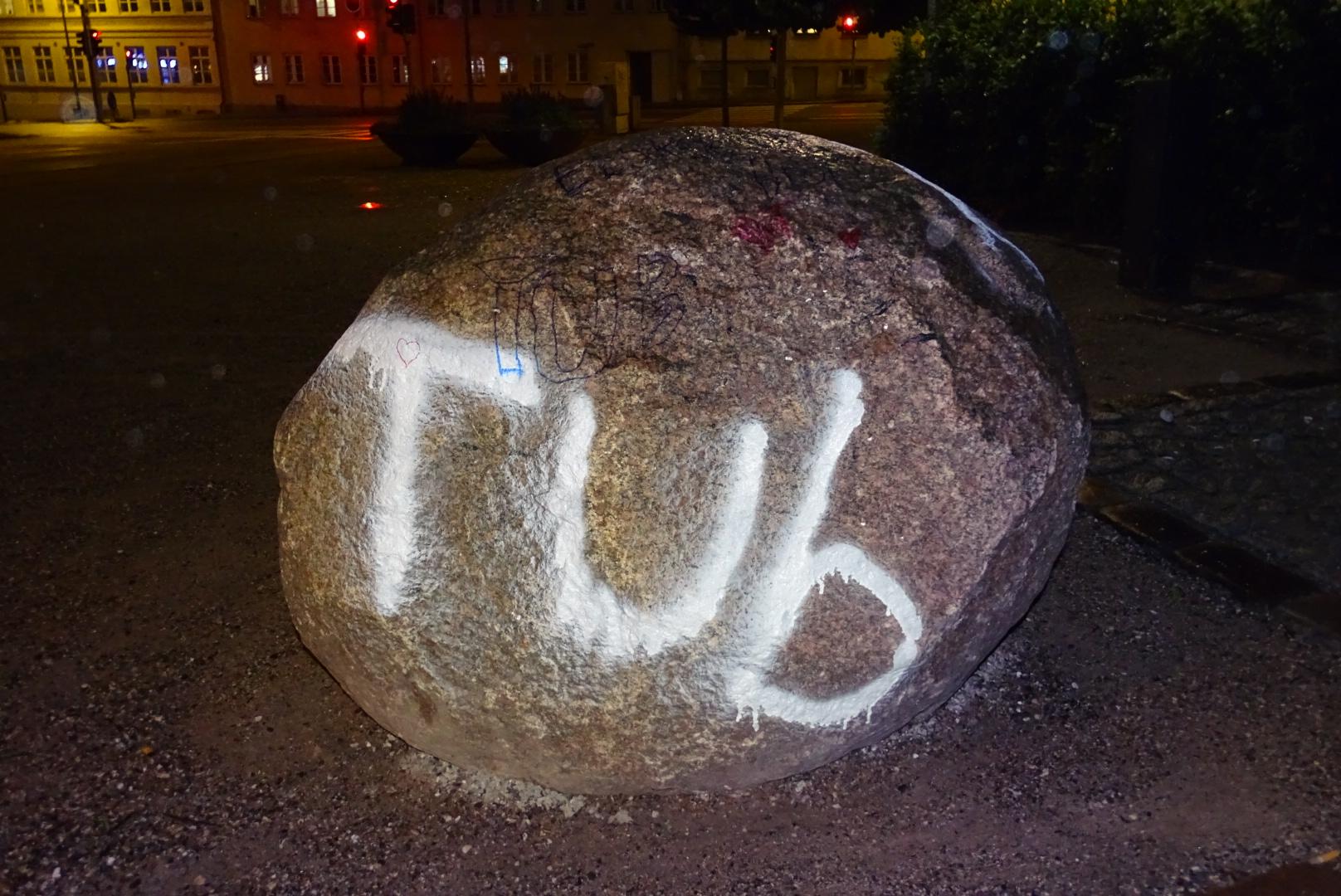Mindesten for dræbte Tobias i Horsens renset af kommunen
