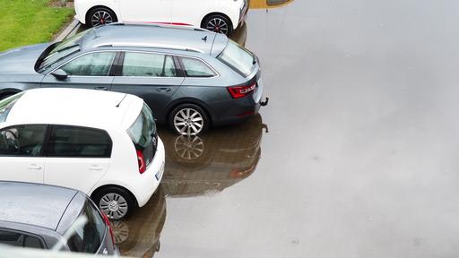 Oversvømmet parkeringsplads i Struer